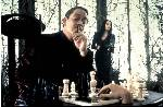 Anjelika Houston Raul Julia Barry Sonnenfeld chess schach ajedrez echecs